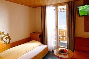 Single Rooms with Eiger view